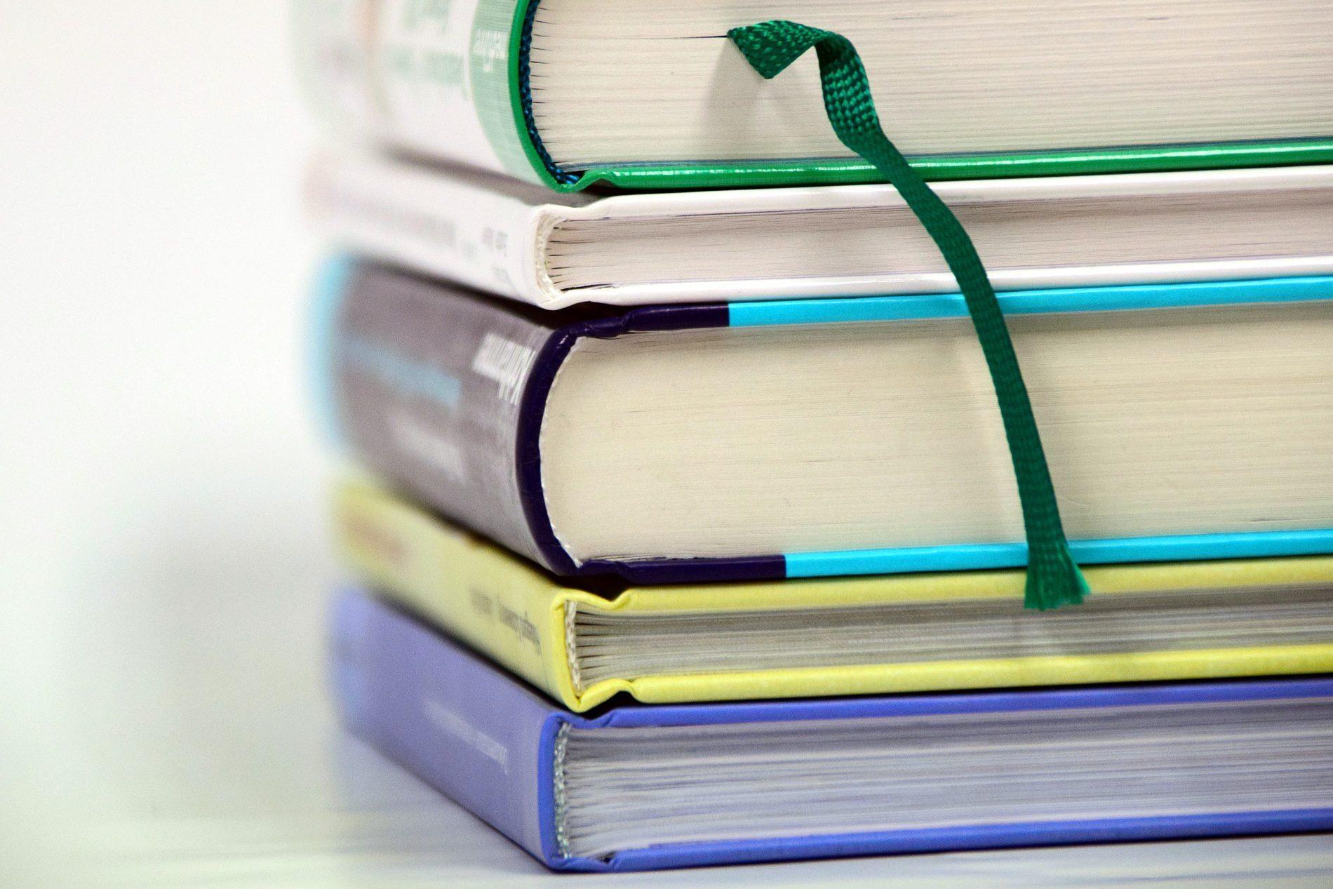 books-1943625_1920